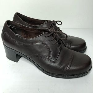 White Mountain brown leather Oxford lace shoes 10